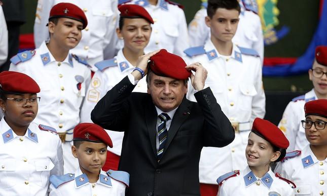 Jair Bolsonaro em cerimônia do Dia do Exército