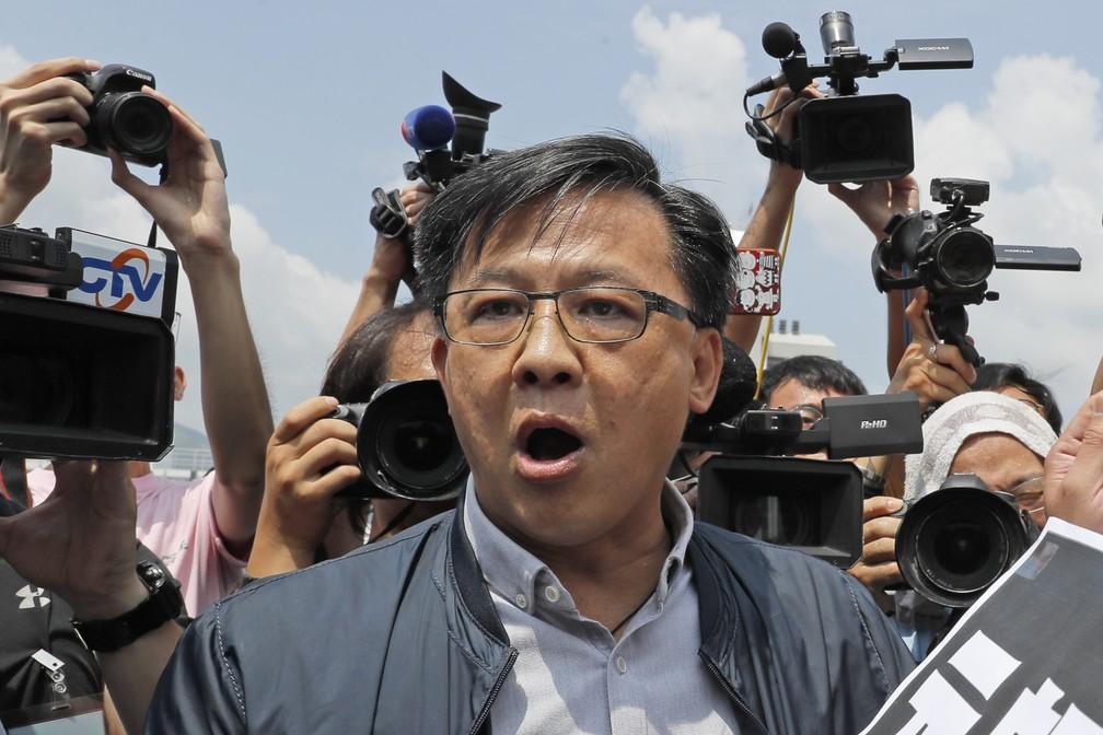Junius Ho, político de Hong Kong que é pró-Pequim, em foto de agosto de 2019. — Foto: Kin Cheung/AP