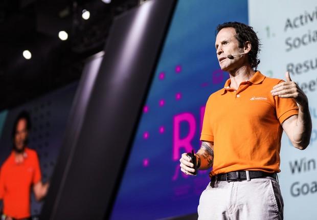 """Aaron Ross, americano autor do livro """"Receita Previsível"""", em palestra no RD Summit 2019 (Foto: Guilherme Leporace/Divulgação)"""
