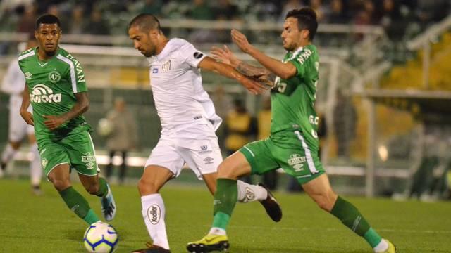 Chapecoense pressionou o Santos no segundo tempo