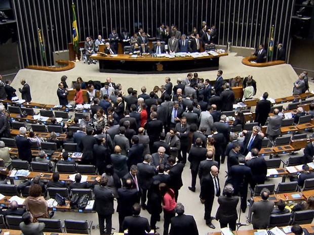 Congresso aprova texto-base da nova meta fiscal após mais de 18 horas de discussão - GNews (Foto: Reprodução/GloboNews)