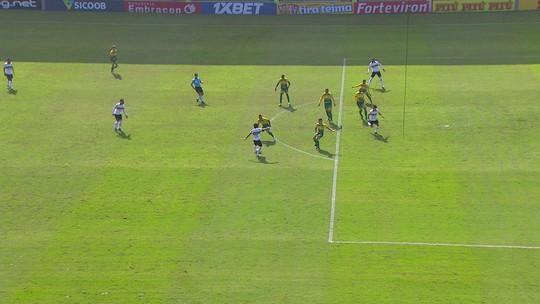 """Com tabela e gol (impedido), Rafinha chega avisando: """"Vai ser difícil ganhar da gente em casa"""""""