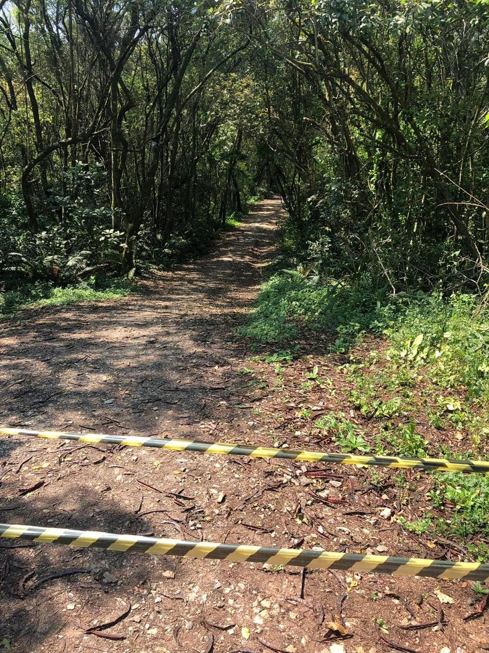 Área no parque ecológico, em Piedade, foi isolada — Foto: Thiago Ariosi/TV TEM