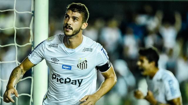 Gustavo Henrique comemora primeiro gol do Santos