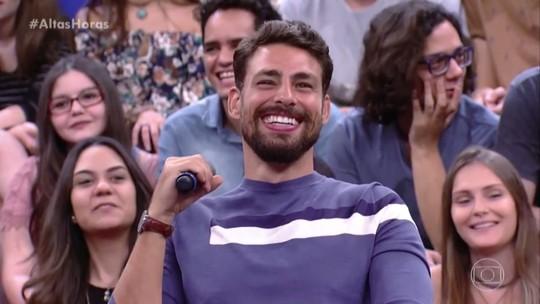 Cauã Reymond arranca suspiros da plateia do 'Altas Horas'