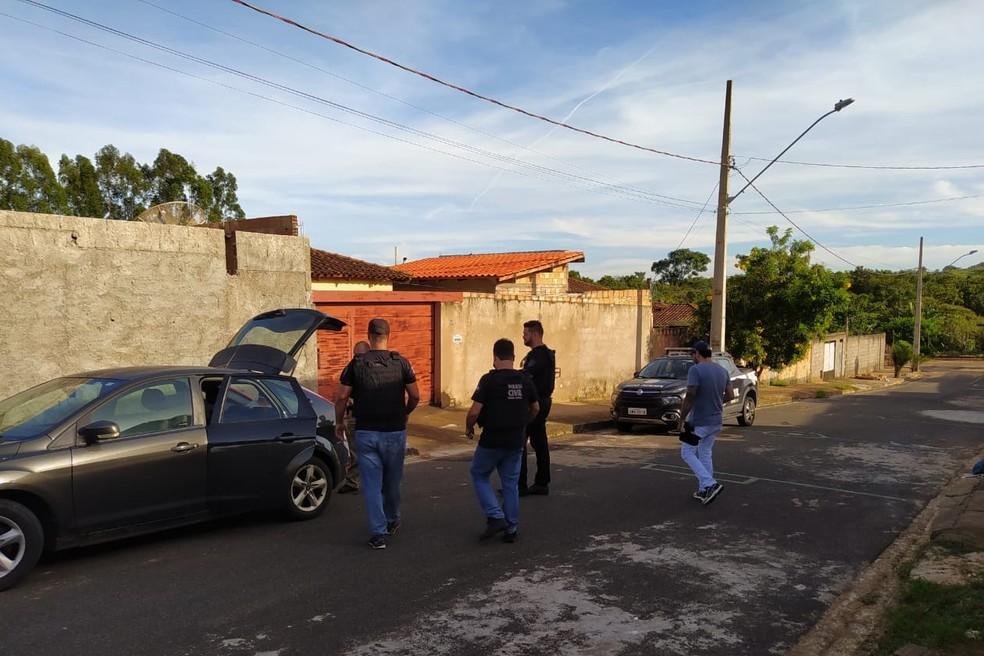 Três pessoas foram presas na Operação 'Isolamento Social' em Araxá — Foto: Polícia Civil/Divulgação