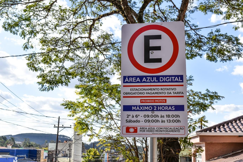 Cobrança da Zona Azul é suspensa para idosos e pessoas com deficiência em Mairinque