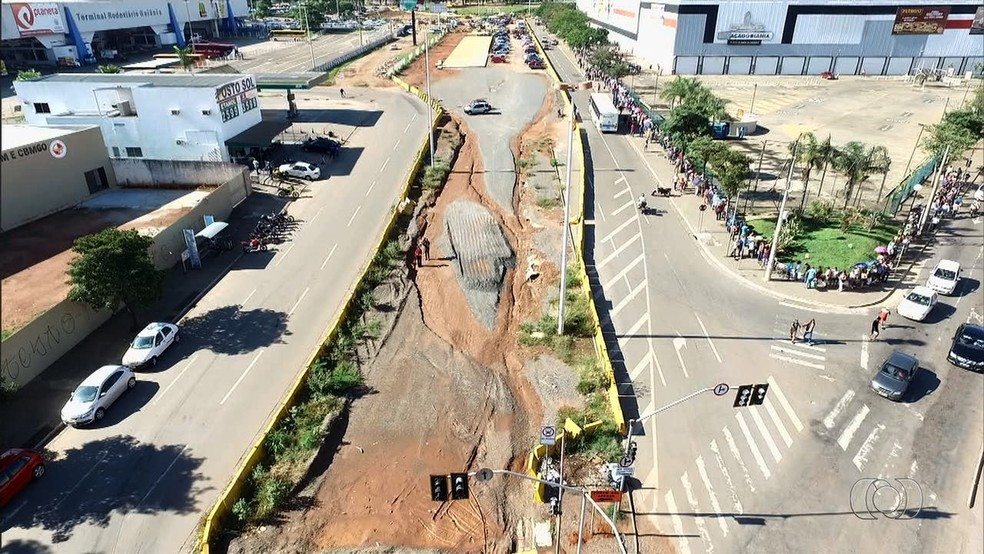 Obras do BRT em Goiânia serão retomadas, segundo ministro das Cidades (Foto: Reprodução/TV Anhanguera)