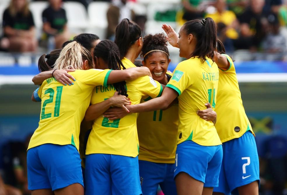 Cristiane brilhou na estreia brasileira — Foto: Reuters