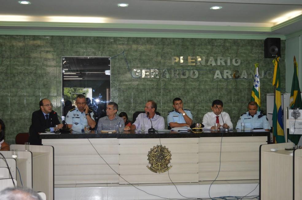 Vereadores de Santana do Acaraú defendem licença de prefeito preso por suspeita de homicídio — Foto: Câmara Municipal/Divulgação