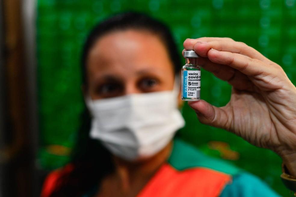 Vacinação em Fortaleza segue com nascidos entre os anos 1990 a 1993. — Foto: Governo do Estado/ Divulgação
