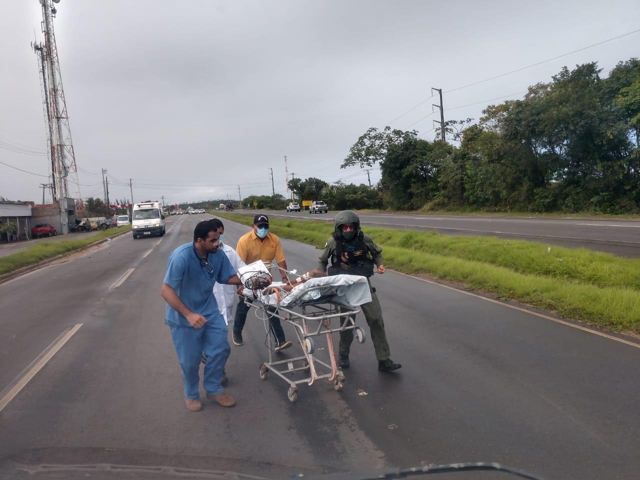 Polícia investiga se tiros que atingiram criança de 5 anos na Bahia foram disparados acidentalmente pela mãe; pai da menina foi preso
