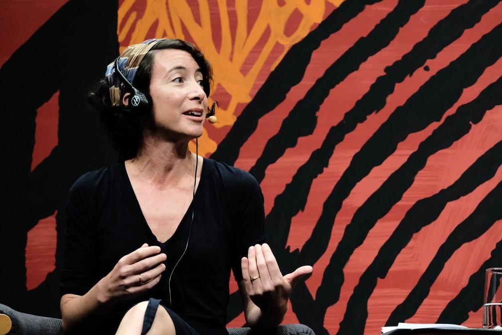 Ayelet Gundar, escritora israelense, durante apresentação na Flip 2019 — Foto: Walter Craveiro/Flip/Divulgação