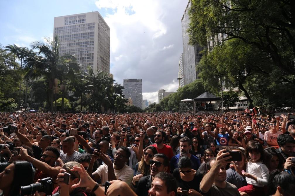 Público lota o Vale do Anhangabaú durante apresentação da cantora Anitta na Virada Cultural 2019 — Foto: Fábio Tito/G1