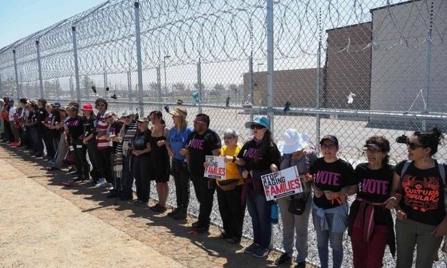 Manifestantes protestam contra política migratória dos EUA
