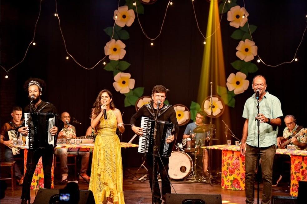 Tanda Macedo gravou pocket show com Waldonys e convidados — Foto: Divulgação