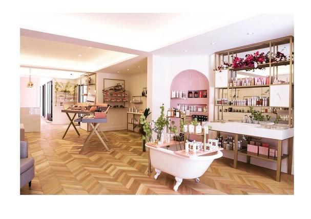 Dominique Maison de Beauté (Foto: Reprodução/Instagram)