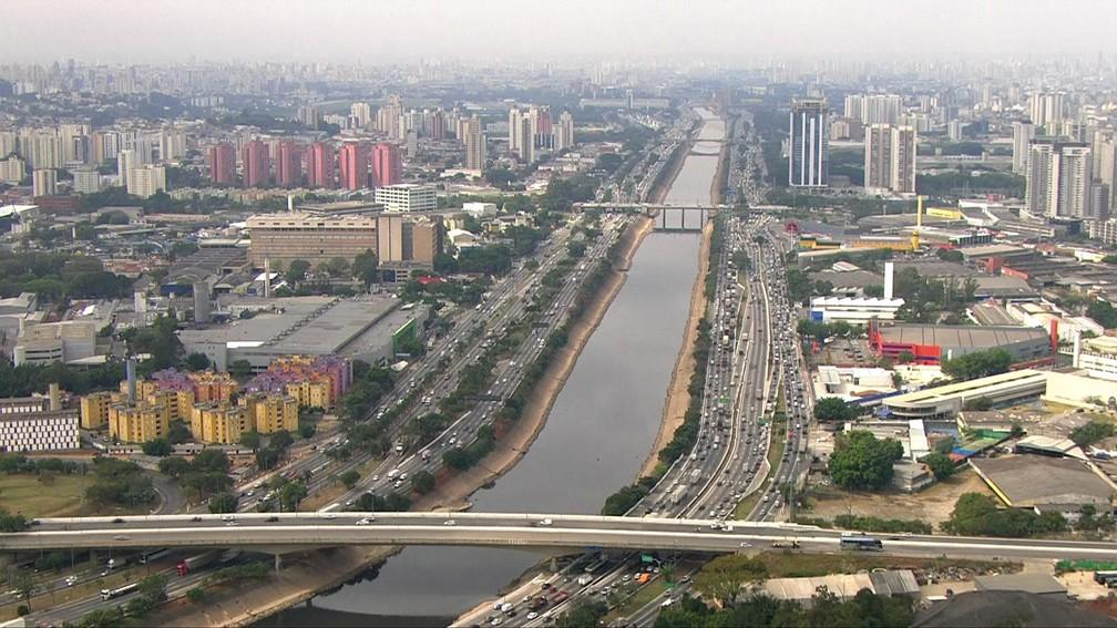 Rio Tietê, o maior do estado de São Paulo — Foto: Reprodução/TV Globo