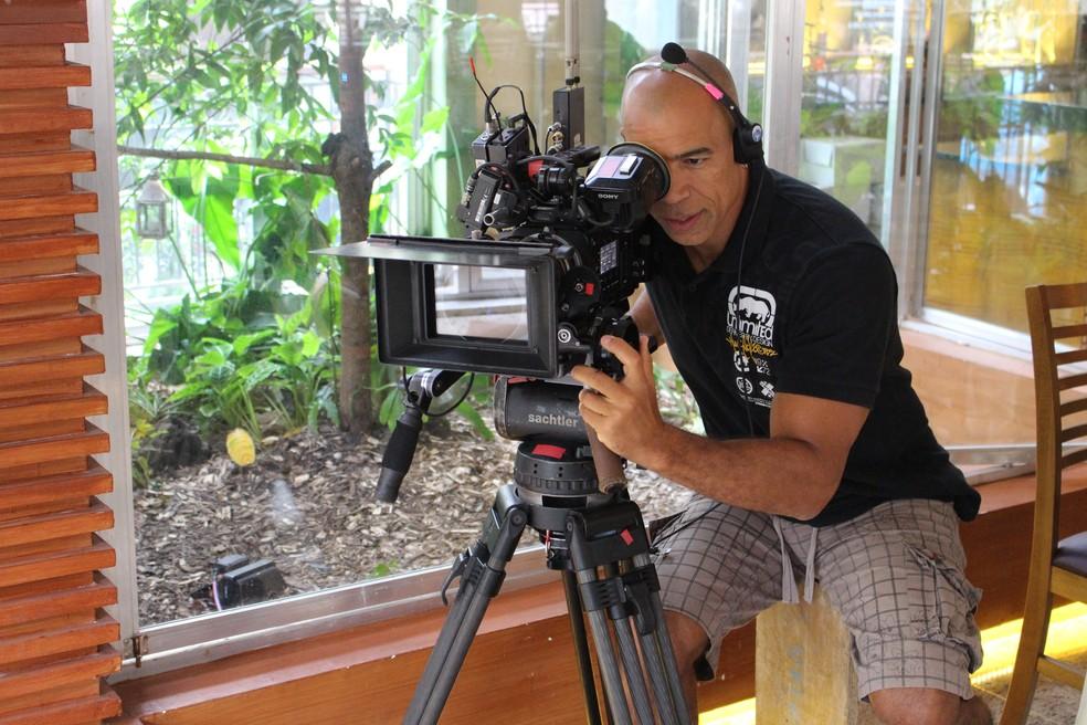 O câmera Capeta grava cenas na churrascaria Boi Amigo (Foto: TV Globo)