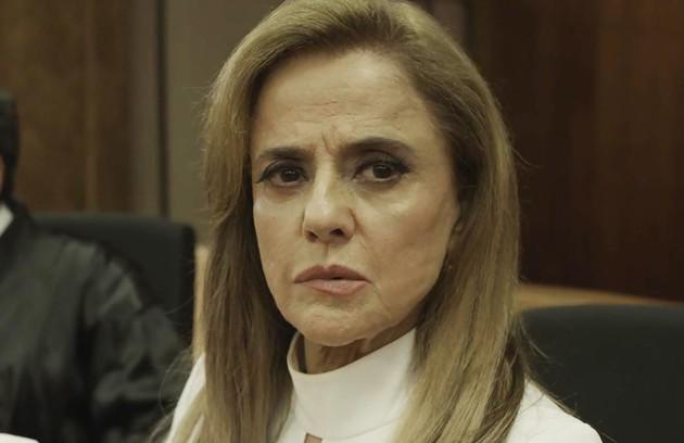 Sophia será julgada e condenada por seus crimes. Ela acabará internada em um hospício. (Foto: TV Globo)