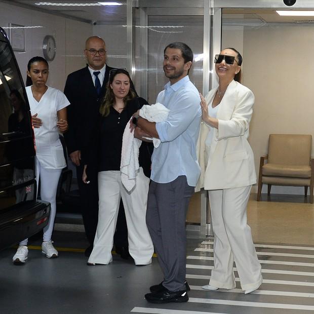 Sabrina Sato e Duda Nagle deixam maternidade (Foto: AgNews/Francisco Cepeda)
