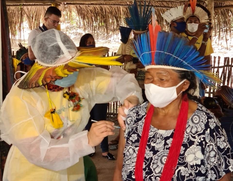 Primeiro dia de campanha vacina 626 indígenas Potiguara contra a Covid-19 na Paraíba