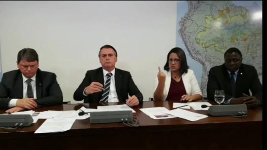 'Pretendo beneficiar filho meu, sim', diz Bolsonaro sobre Eduardo em embaixada nos EUA