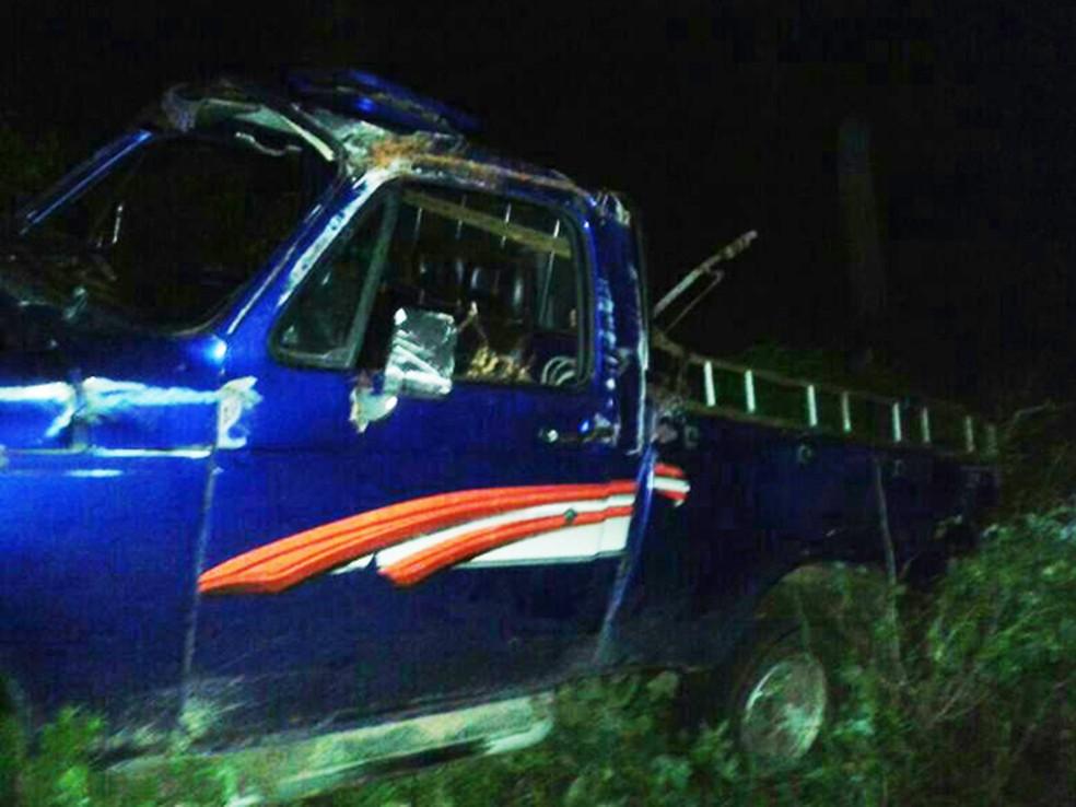 Estudantes eram transportados na carroceria da caminhonete — Foto: Divulgação/Ricardo Viana
