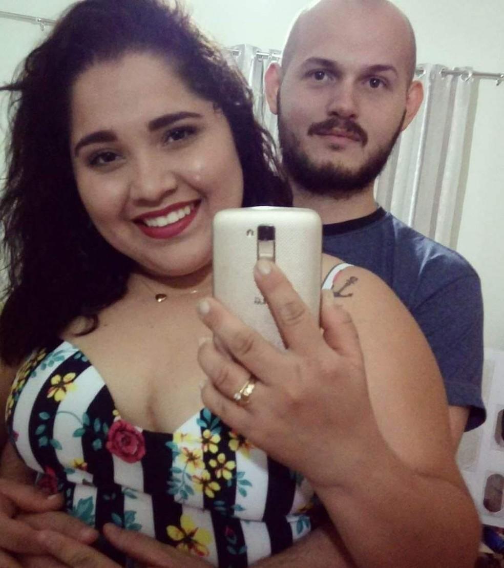 Gregory e Daniela morreram depois que moto em que eles estavam foi atingida por carro, na BR-369, em Cambé (Foto: Arquivo da família)