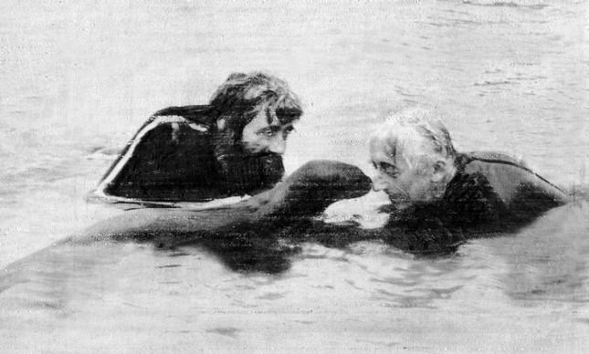 Cousteau e seu filho Jean Michel na Amazônia, em 1982