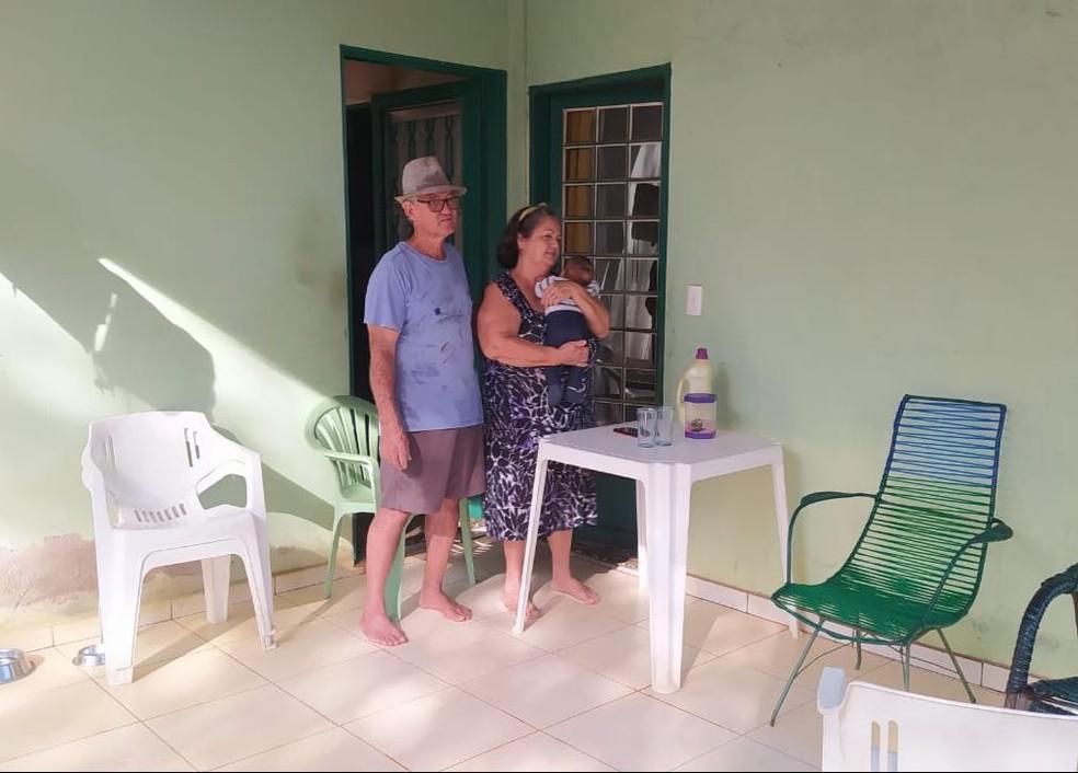 Ana Lusia Florentino, de 67 anos, e o marido receberam a homenagem da professora — Foto: Divulgação