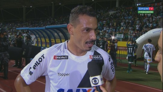 """Roberto lamenta empate, mas ressalta: """"Espírito é esse"""""""