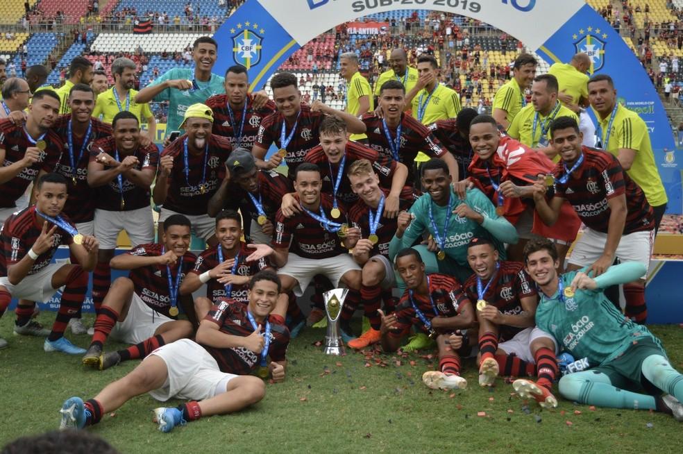 Flamengo Sub-20 foi campeão na semana passada — Foto: THIAGO FELIX/MYPHOTO PRESS/ESTADÃO CONTEÚDO