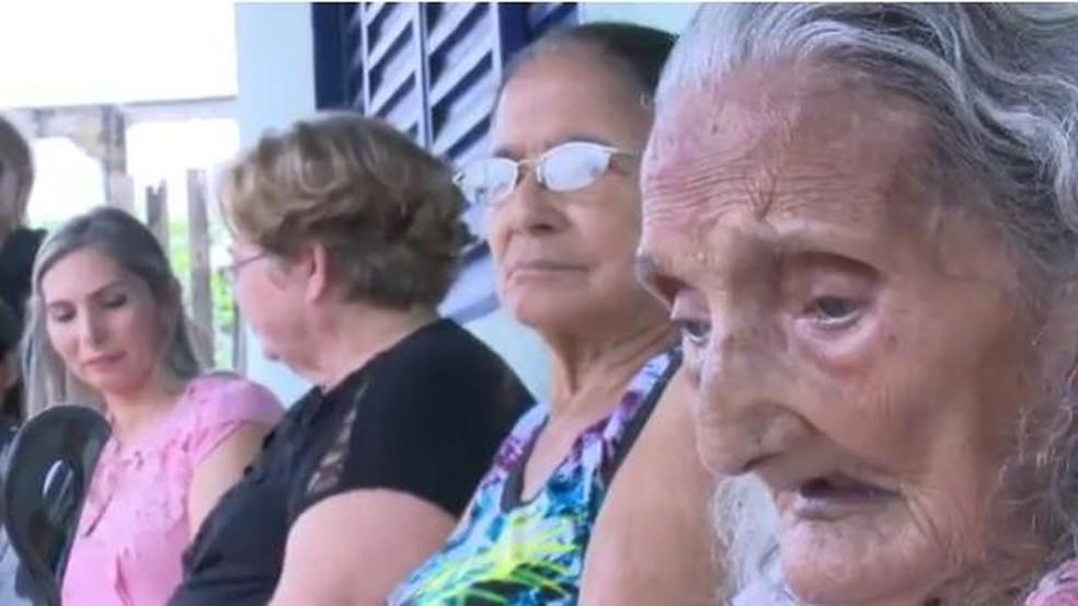 Dona Raimunda viajou de Tarauacá até Rio Branco para rever familiares (Foto: Reprodução Rede Amazônica)