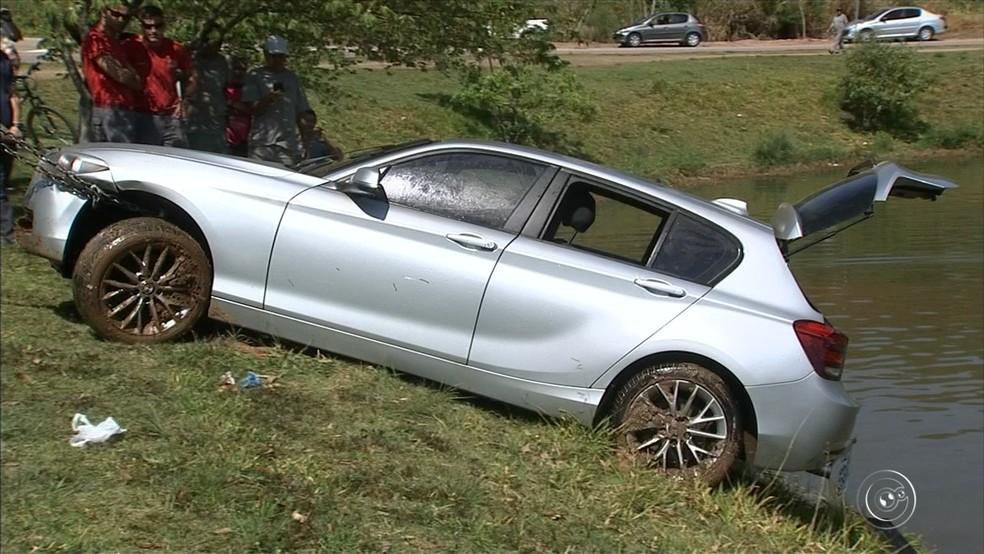 Segundo a polícia, veículo não possui queixa de roubo ou furto (Foto: Reprodução/TV TEM )