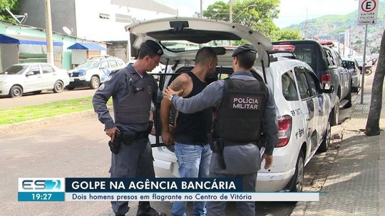 Dois homens presos são em flagrante aplicando golpes no Centro de Vitória