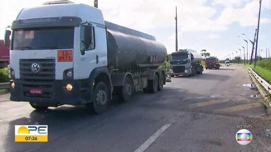 Combustíveis começam a chegar nos postos de Caruaru e Garanhuns após paralisação dos caminhoneiros