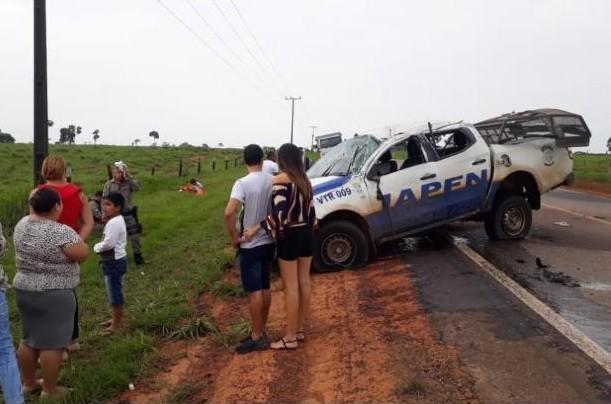 Viatura capota em estrada do AC e motorista penitenciário fica gravemente ferido - Notícias - Plantão Diário