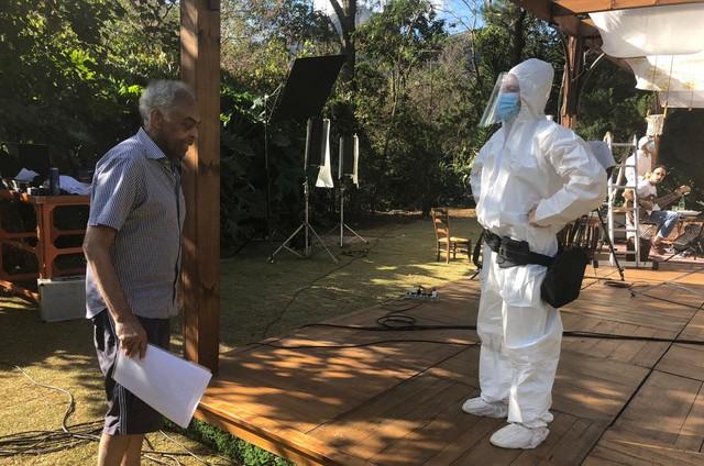Gilberto Gil durante as gravações para a TV francesa (Foto: Flora Gil)
