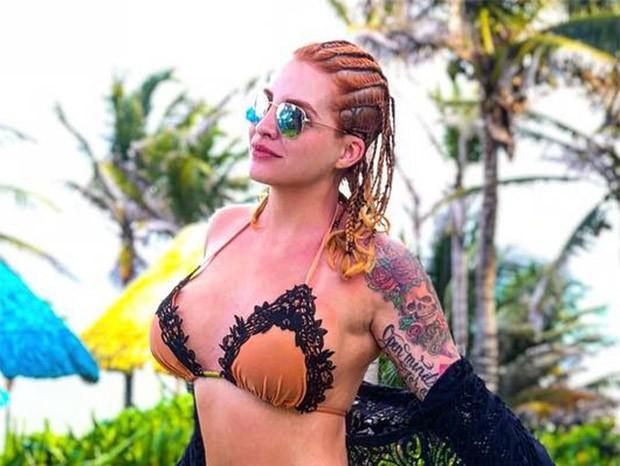 Clara Aguilar com trancinhas no cabelo (Foto: Reprodução/Instagram)