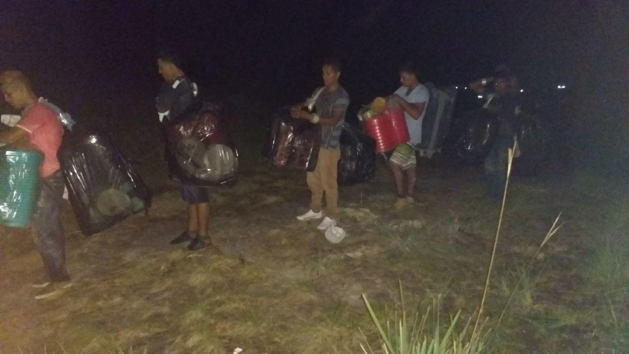 Venezuelanos são detidos tentando cruzar fronteira de RR com mais R$ 6 mil em produtos irregulares