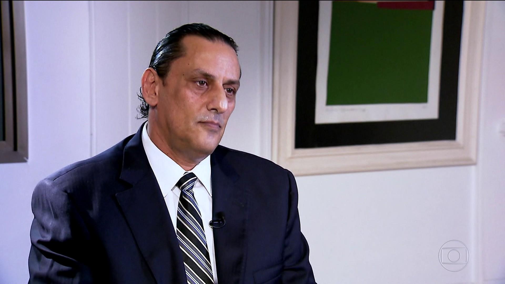 Wassef diz que 'não entrou' no Palácio do Planalto, mas 'passou no estacionamento'