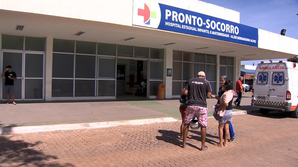 Criança está internada em observação em hospital (Foto: Reprodução/ TV Gazeta)