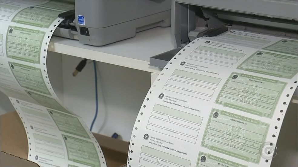 Eleitores podem procurar uma unidade do cartório eleitoral para transferir, atualizar ou emitir o título de eleitor (Foto: Reprodução/TV TEM)