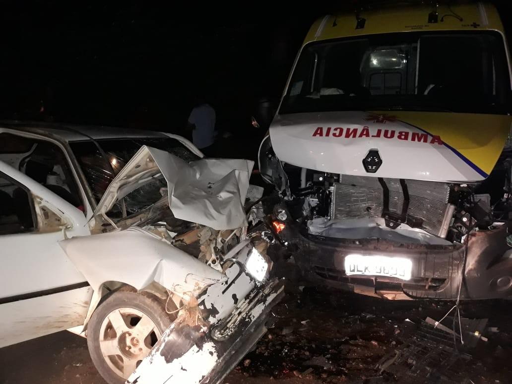 Colisão entre ambulância e carro deixa um morto e quatro feridos em Flexeiras, AL