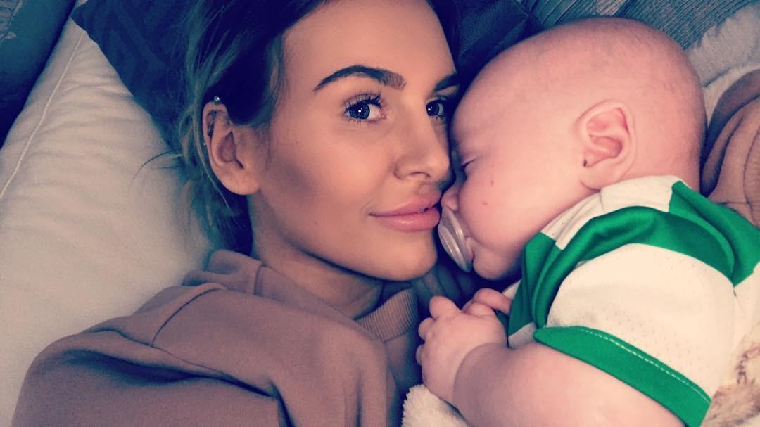 Abbie Colvin parou a quimioterapia porque estava grávida (Foto: Reprodução / Instagram)