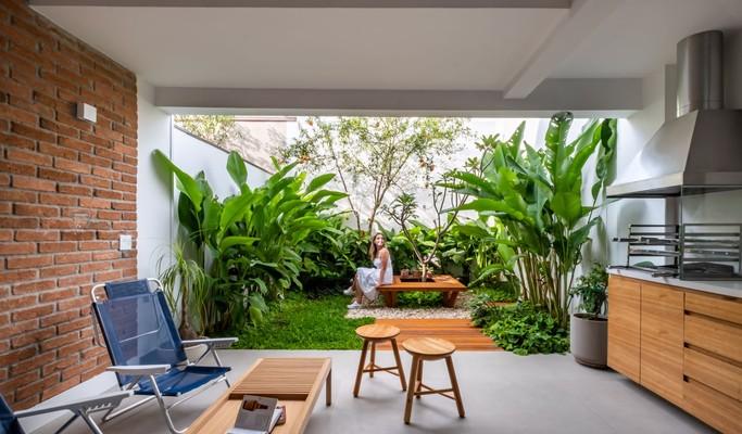 Casa conectada com a natureza define o estilo de vida de casal