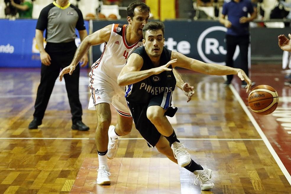 Menino Ruivo é tido por César Guidetti como um dos grandes nomes do Pinheiros na temporada (Foto: Fiba/Americas)