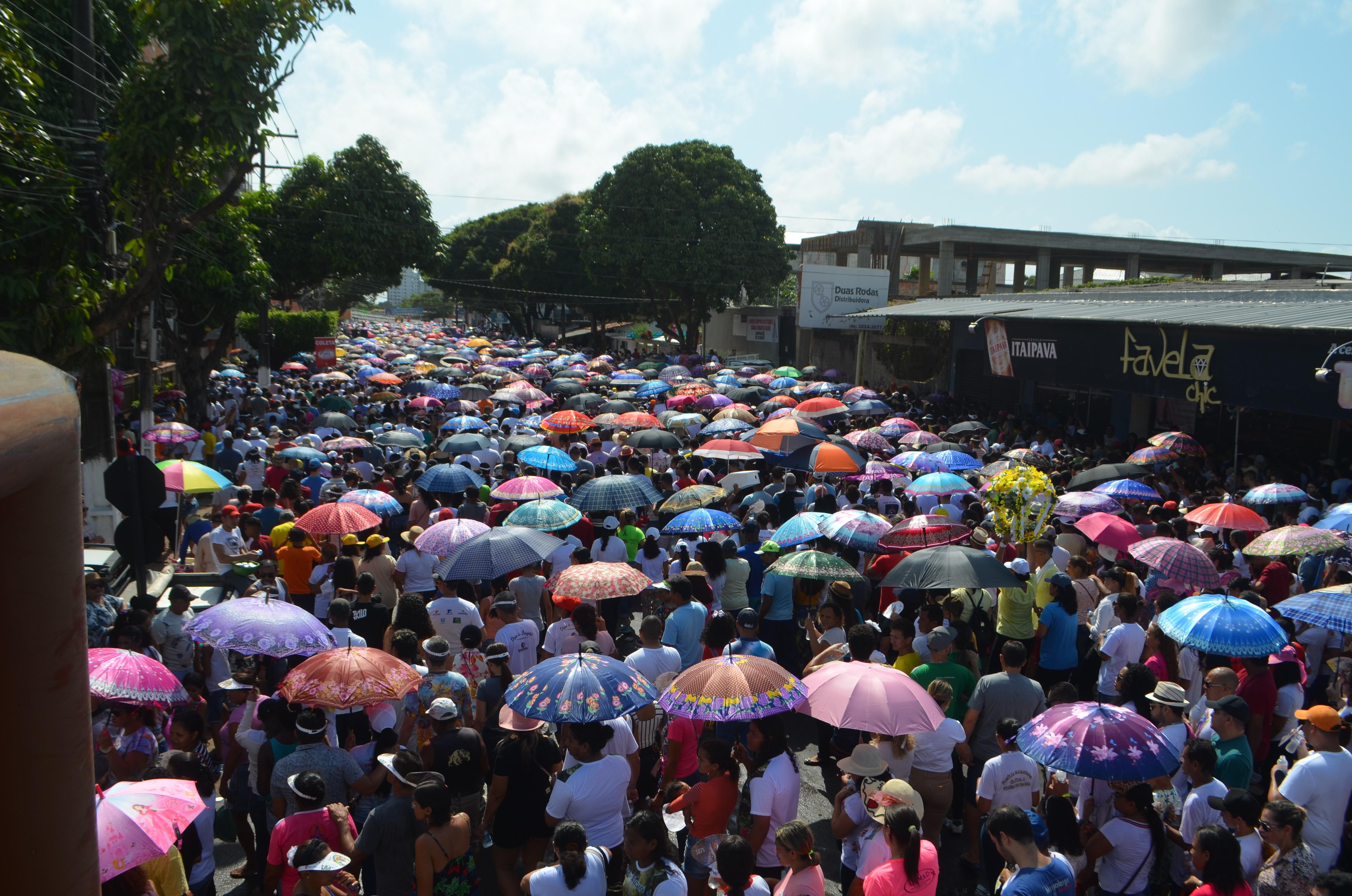 FOTOS: veja a galeria de imagens da procissão do Círio de Nazaré 2019 em Macapá - Notícias - Plantão Diário