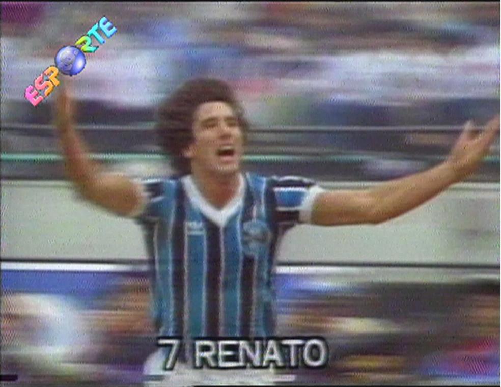 Miniaturas de estátua de Renato na comeoração de gol no Mundial serão vendidas — Foto: Reprodução